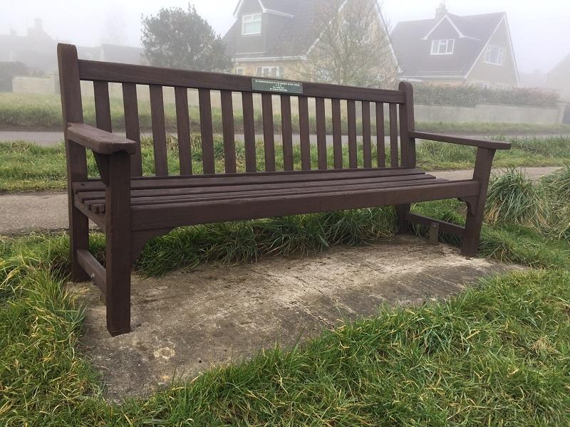 Jubilee bench 800x600